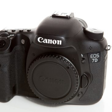 For Sale – Canon 7D body and Canon BG-E7 battery grip